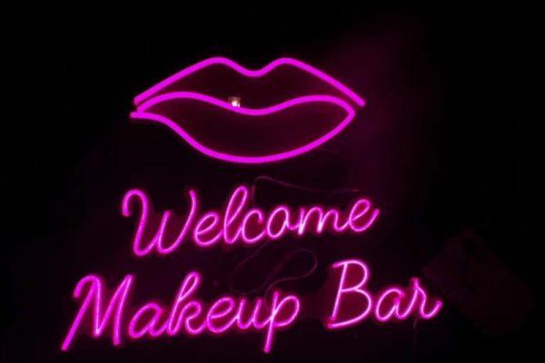 makeup-bar-neon-sign